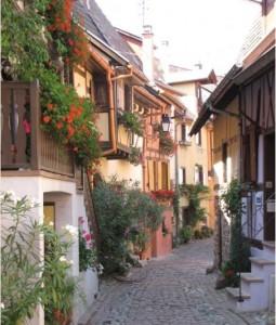 ruelle fleurie d'Eguisheim