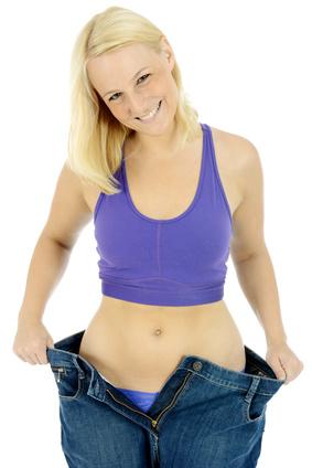 Frau ist Schlank durch Diät